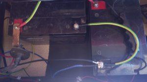 Dwa akumulatory 70Ah połączone równolegle przewodem 10mm2
